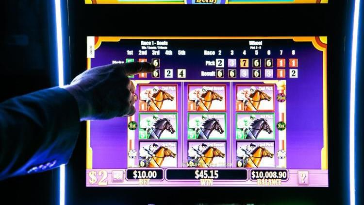 Controversial betting machines could be headed to Nebraska horse tracks; some saying 'Whoa'
