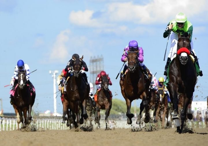 Coronavirus: Live horse racing is about to officially return to Ontario